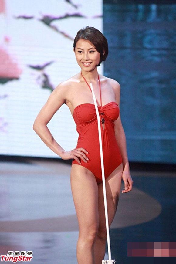 Cựu Hoa hậu ảnh Hồng Kông chấp nhận diễn bar vì cát sê 1