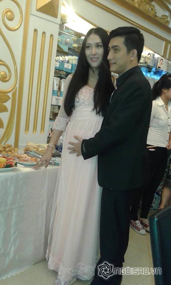 Phi Thanh Vân mang bầu giả  1