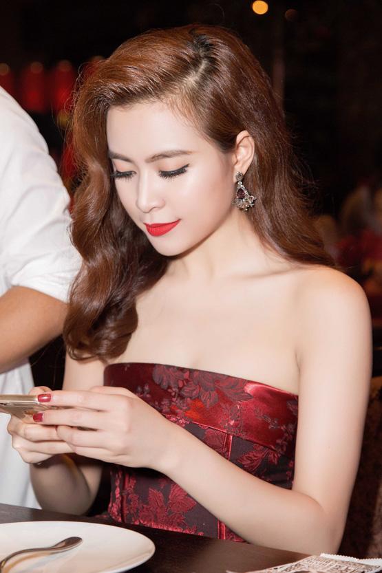 Hoàng Thùy Linh 18