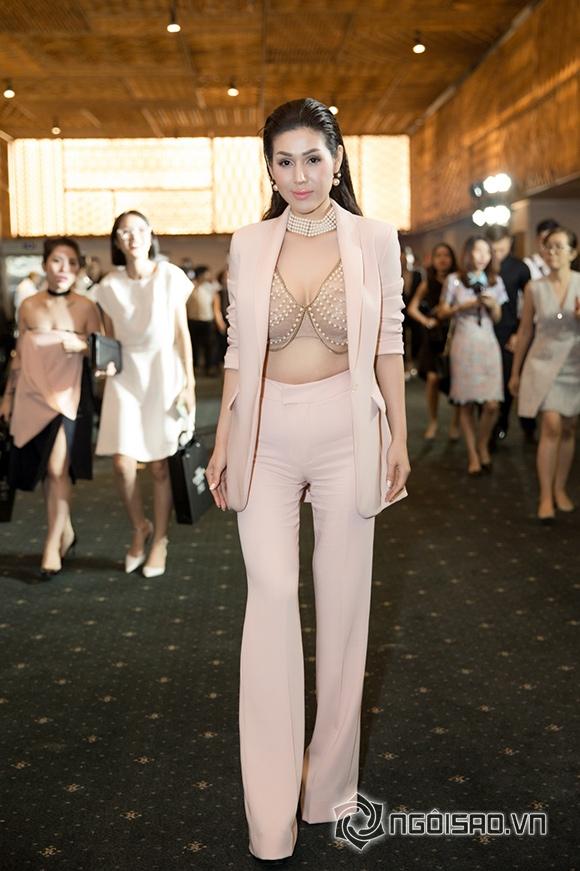 Phạm Hương đối lập phong cách thời trang với Đặng Thu Thảo 7