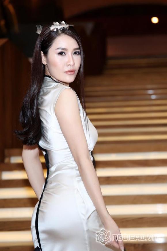 Phạm Hương đối lập phong cách thời trang với Đặng Thu Thảo 13